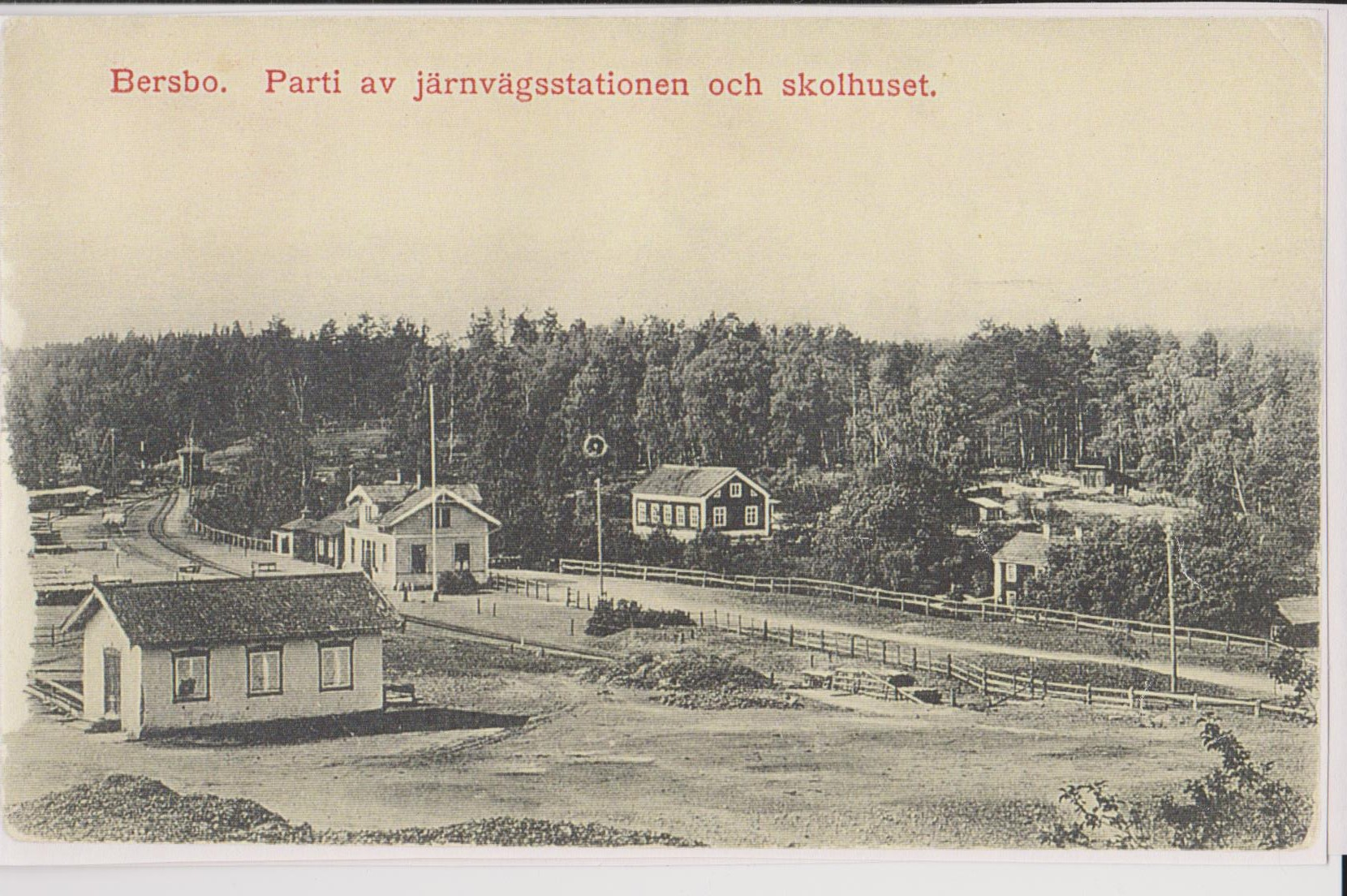 Bersbo-Trainstation-and-schoolhouse